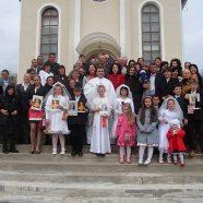 Prima Sfântă Împărtăşanie solemnă la Sărbătoarea Învierii Domnului în parohia Păuşa