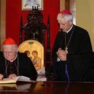 Cardinalul Angelo Scola în dialog cu reprezentanţii presei clujene