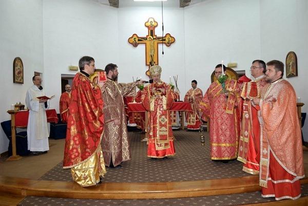 Dreapta: Mons. Mihai Todea, Vicar general eparhial, Pr. Cristian Sabău, Protopop de Cluj I