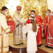 """Hramul bisericii """"Sfântul Nicolae"""" și Prima Împărtășanie la Florești, Cluj"""